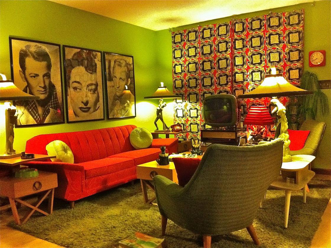 Unusual decor, the heart of retro style